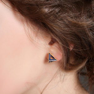 PYRAMID EARRING STUDS